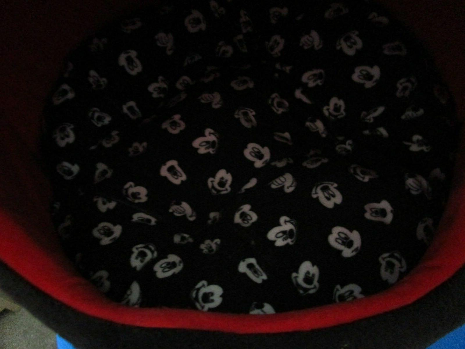 Mickey Mouse Dome Bed Cat Portable