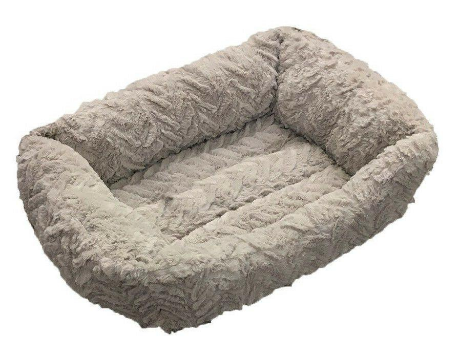 soft and fluffy dog cat pet bed
